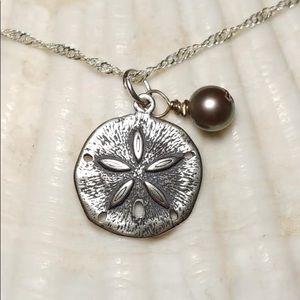 Jewelry - Sand dollar pendant